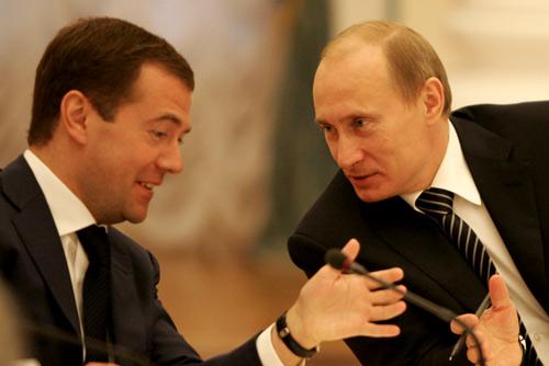El presidente Vladímir Putin y el primer ministro Dmitri Medvédev